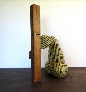 De Zondiger; 2014/2015 textiel, polyether vulling, hout